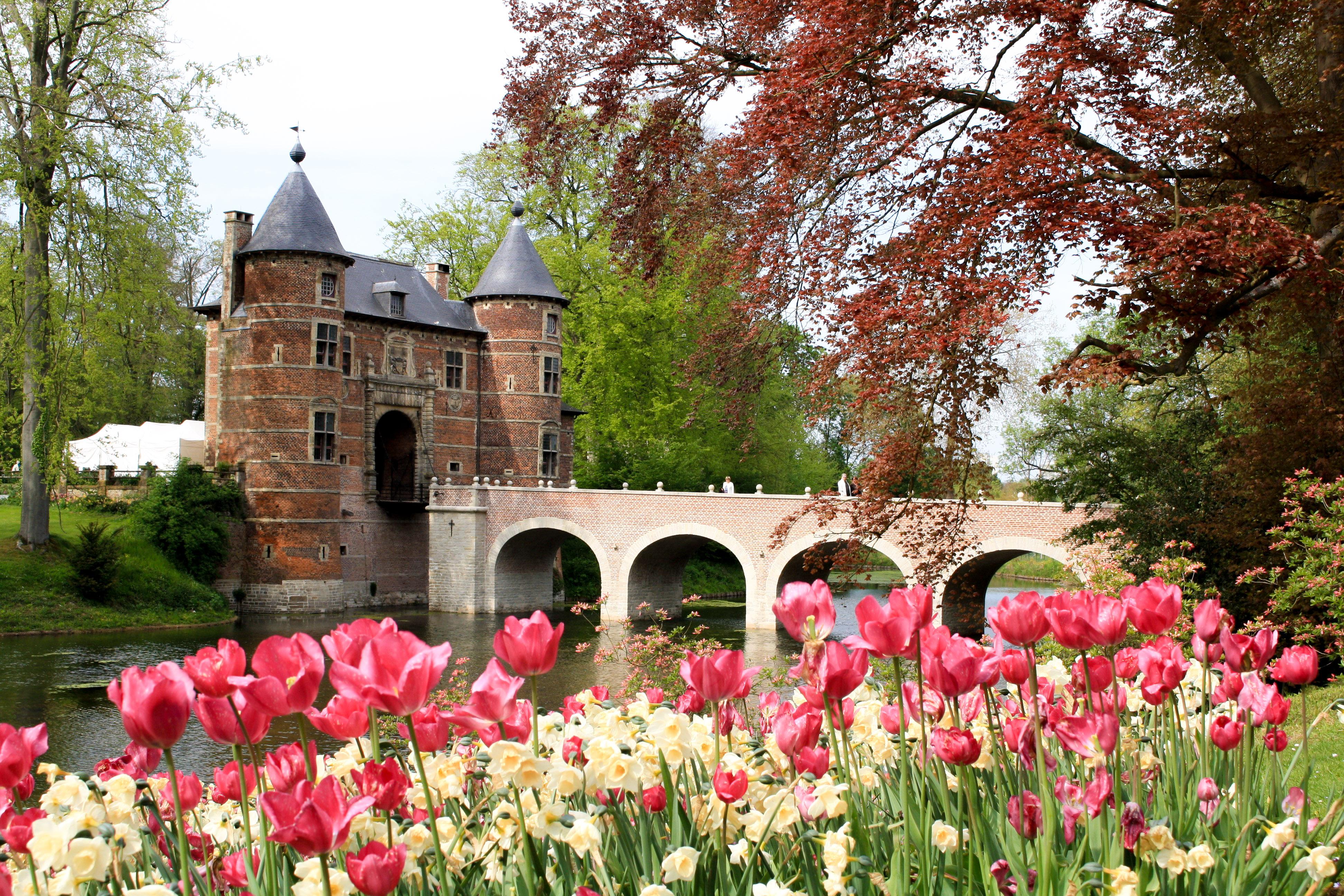Groot-Bijgaarden Castle: A Floralia Brussels Photo Essay ...